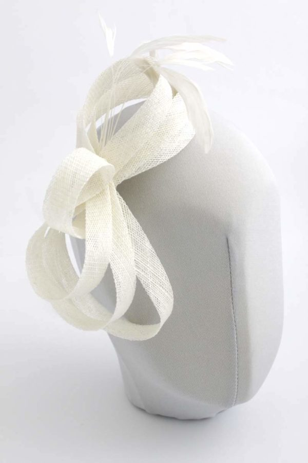 wedding fascinator with twist