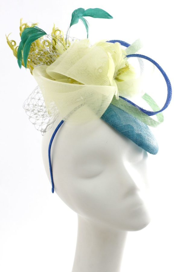toque with flowers