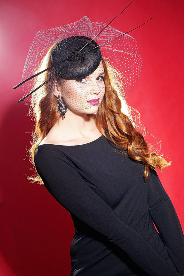 fascinator for halloween with feathers and veil