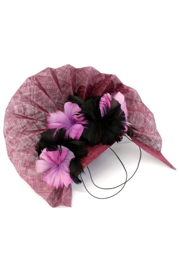flamenco toque with a fan and flowers